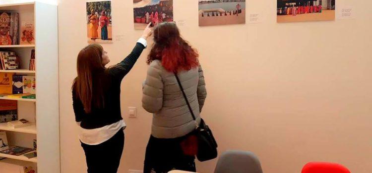 """Exposición fotográfica permanente """"Dones de l´Índia"""""""