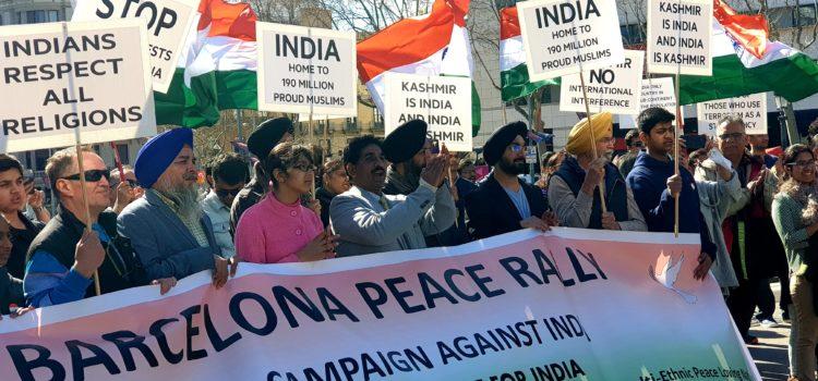 Manifestació per la Pau de la Comunitat índia de Catalunya