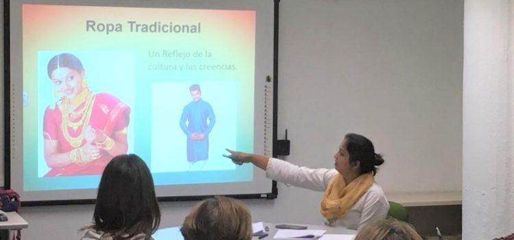 Clases de cultura de la India para los profesores de las escuelas catalanas